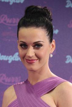 Katy Perrys Purr-fect updo