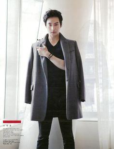 Kwon Yuri, Yoo Ahin, Lee Jaehoon, Shin Sekyung by Min Hyeryoung for W Korea April 2012 Asian Actors, Korean Actors, Lee Je Hoon, W Korea, Kwon Yuri, Korean Star, Kdrama, Normcore, Singer