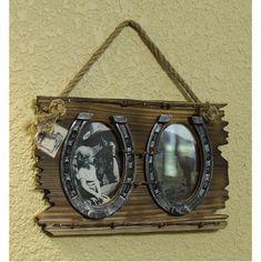 Hanging Horseshoe Picture Frames #Horseshoecrafts