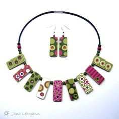 Retro Cherry earrings and necklace by Jana Lehmann, polymer clay. Polymer Clay Necklace, Polymer Clay Pendant, Fimo Clay, Polymer Clay Projects, Polymer Clay Creations, Polymer Clay Art, Diy Fimo, Crea Fimo, Precious Metal Clay