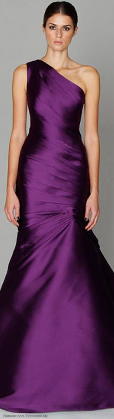 Dark purple glamour- a little too petite to pull off its full potential, though LOVE the look. What a perfect bridesmaid dress. Stunning Dresses, Beautiful Gowns, Pretty Dresses, Beautiful Outfits, Gorgeous Dress, Bridesmaid Dresses, Prom Dresses, Formal Dresses, Short Dresses