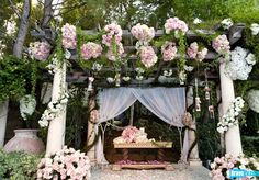 Lisa Vanderpumps mansion is also fabulous enough to have an insane, rose-covered wedding in. NBD