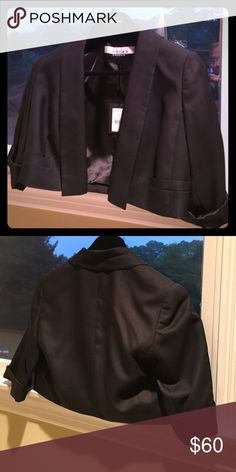 05e934dc930 Shop Women s Jaeger of London Black size 8 Jackets   Coats at a discounted  price at Poshmark. Description  Crop brand new.