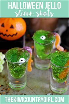 Jelly slime shots are spooky, fun, easy to make with kids for your Halloween party and delicious! Green jello, candy eyeballs and sour worms. Plus you can add vodka to make them adult party friendly! Halloween Jelly, Halloween Jello Shots, Halloween Bark, Halloween Birthday, Easy Halloween, Halloween Pumpkins, Halloween Foods, Halloween 2019, Halloween Costumes