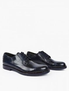 Valentino Navy Leather Star-Motif Derby Shoes The Valentino Leather Star-Motif Derby Shoes for AW16, seen here in navy. - - - Crafted in Italy from premium leather, Valentino update these classic derby shoes with the addition of their distinctive http://www.MightGet.com/january-2017-13/valentino-navy-leather-star-motif-derby-shoes.asp