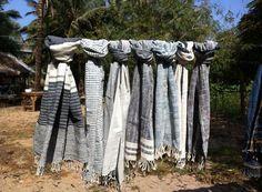 Saoban silketørklæder fra Laos - kig forbi standen i Laden og se det flotte udvalg.