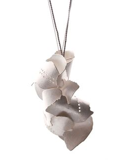CLAUDIA STEINER-AT-Necklace: Federkleid/Featherdress 925 silver/natural silk 7x4 cm (pendant)