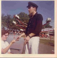 Elvis at Fairgrounds Amusement Park later became Libertyland,Memphis,Tn. Priscilla Presley, Lisa Marie Presley, Rock And Roll, Elvis Quotes, Burning Love, Buddy Holly, Elvis Presley Photos, Memphis Tennessee, My Favorite Music