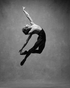 Stunning Photo Series Spotlights the Graceful Movements of Dancers - My Modern Met