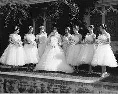 1950s Bride & Bridesmaids - the bride has an Elizabeth Taylor look about her!
