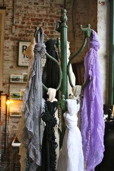 Good idea for scarf display (Blackbird Vintage)