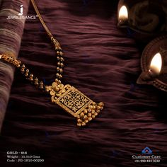 Gold jewelry Outfits All Black - - - Gold jewelry Necklace Chains Gold Mangalsutra Designs, Gold Earrings Designs, Diamond Mangalsutra, Antique Jewellery Designs, Gold Jewellery Design, Indian Gold Jewellery, Handmade Jewellery, Pendant Jewelry, Beaded Jewelry