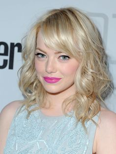 the way her bangs blend into the curls - love it | Emma Stone