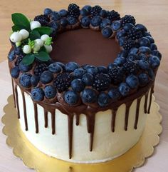 Birthday Cakes For Women, Chocolate Drip, Edible Arrangements, Drip Cakes, Health Desserts, Creative Food, Yummy Cakes, Cooking Recipes, Cooking Tips