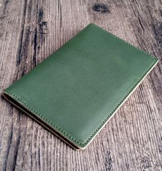 Passport holder made of genuine leather, available in 4 colors on our Etsy shop Leather Accessories, Etsy Shop, Wallet, Colors, Shopping, Passport, Unique Jewelry, Colour, Purses
