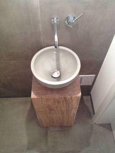 waschtisch g ste wc waschbeckenschrank holz toilet interiors and bath. Black Bedroom Furniture Sets. Home Design Ideas
