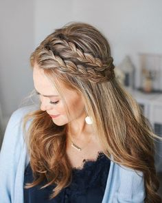 Lace Braid ★ Wondering how many types of braids there are? Let… Lace Braid ★ Wondering how many types of braids there are? Let us show you how different braids can be. Side Braid Hairstyles, Braided Hairstyles, Style Hairstyle, Black Hairstyles, Hairstyle Ideas, Decent Hairstyle, Dance Hairstyles, Hairstyles Pictures, Simple Hairstyles