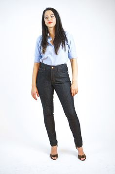 Introducing the Ginger Skinny Jeans pattern. Includes two options: low waisted stovepipe and highwaisted skinny leg. Make your own jeans like a DIY ninja! Next Jeans, Mom Jeans, Sewing Jeans, Patterned Jeans, Dress Making Patterns, Pattern Making, Sewing Blogs, Sewing Projects, Sewing Basics