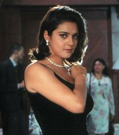 Bollywood Outfits, Bollywood Fashion, Indian Bollywood Actress, Indian Actresses, Pretty Zinta, Sister Poses, Indian Aesthetic, Tv Icon, Vintage Bollywood