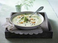 Schmorgurken-Cremesuppe mit Lachs