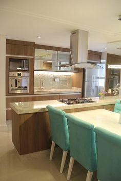 Navegue por fotos de Cozinhas modernas: Cozinha Integrada. Veja fotos com as melhores ideias e inspirações para criar uma casa perfeita.