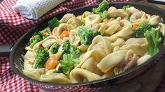 Tortelloni in Käse - Sahne - Sauce, ein schmackhaftes Rezept aus der Kategorie Pasta. Bewertungen: 213. Durchschnitt: Ø 4,6.