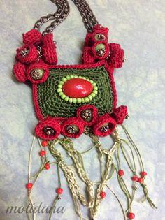 Necklace in crochet