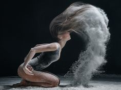 Explosive Dance Portraits Reveal the Powerful Movements of Elegant Dancers - My Modern Met