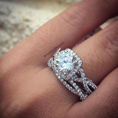 Verragio twisted shank halo with matching band