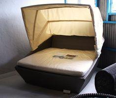 No1:カバー(天蓋)付きベッド