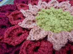 Ravelry: The Crocodile Flower pattern by Joyce Lewis>  Free Ravelry Download.