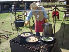 FIRE BOX Chuck Wagon Cowboy Camp Cooking There are many ways to build your own cowboy camp firebox. Above, the photo shows one of the. Cowboy Fire Pit, Cowboy Grill, Campfire Grill, Fire Pit Grill, Fire Pits, Bbq Grill, Open Fire Cooking, Dutch Oven Cooking, Cooking Ribs