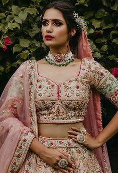 Stunning Chokers You Can Wear At Your Intimate Wedding At Home! Indian Bridal Outfits, Indian Wedding Jewelry, Home Wedding, Wedding Wear, Wedding Dress, Lengha Dress, Lehenga, Multiple Outfits, Lit Outfits