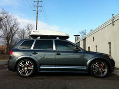 VW Touareg V10 TDI - looking pretty with that stance - Challenge Motorwerks