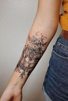 Awe-inspiring Book Tattoos for Literature Lovers - KickAss Things jaw-dropping book tattoo ideas © tattoo artist Angelika Ulyanova Bookish Tattoos, Literary Tattoos, Full Sleeve Tattoos, Sleeve Tattoos For Women, Neue Tattoos, Body Art Tattoos, Tatoos, Skull Tattoos, Tattoo Drawings
