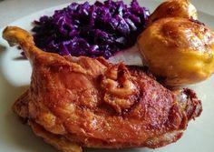 Sült kacsacomb párolt lilakáposztával, egészben sült krumplival | Gergye Rita receptje - Cookpad receptek Pork, Food And Drink, Chicken, Kale Stir Fry, Pork Chops, Cubs