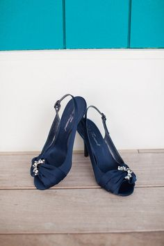 Navy wedding shoes // Photographer: Katie Nesbitt Photography / Planning & Design: Antonia Christianson Events // see more: http://theeverylastdetail.com/2013/09/02/nautical-eclectic-navy-and-aqua-wedding/