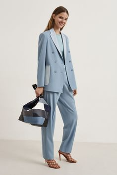 See the entire Stella McCartney resort 2020 collection here. Image credits: Courtesy of Stella McCartney Vogue Fashion, Live Fashion, Fashion Week, Fashion 2020, Runway Fashion, Fashion Trends, Urban Fashion, Fashion Ideas, Vogue Paris