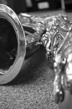 I've always wanted to learn how to play the Sax.   For someone who has a longing....  that would be my Ben...   I think he would love this photo !