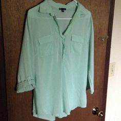 """Mint green roll tab sleeve top Very lightweight and comfy, I love the mint color for spring(b2nd two pics color is not accurate it's like the color was washed out taking the picture, color is vibrant mint in person that is very springy) can be worn with tab sleeves rolled up it left down, will fit up to 40"""" bust, length is 28"""" GAP Tops Blouses"""