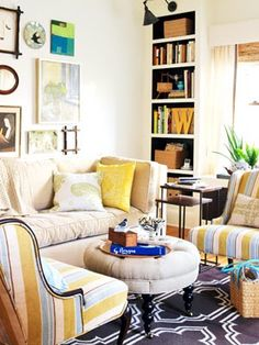 I've never been a big fan of yellow but I love this room!!