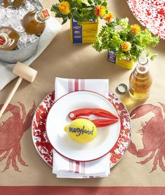 25 Charming Ideas for Summer Party Table Settings - Jessica's Pins! Lobster Bake Party, Shrimp Boil Party, Crab Party, Lobster Boil, Seafood Party, Lobster Dinner, Seafood Dinner, Lobster Fest, Seafood Bake