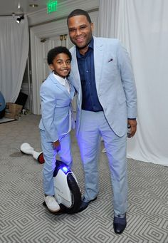 Anthony Anderson's TV son look-alike on the SoloWheel by Inventist.