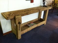 Établis ancien en bois Plus Furniture, Home Goods, Driftwood Furniture, Workbench Table, Furnishings, Rustic Living Room, Home Decor, Old Tables, Living Room Furniture