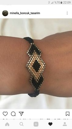 The Effective Pictures We Offer You About jewelry diy bracelets leather A quality picture can tell y Beaded Jewelry Designs, Bead Jewellery, Seed Bead Jewelry, Bead Earrings, Handmade Jewelry, Beaded Braclets, Beaded Bracelet Patterns, Seed Bead Bracelets, Peyote Stitch Patterns