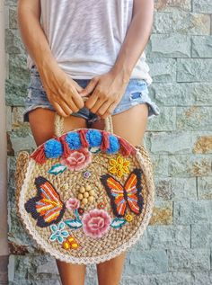 Rattan Hand Beaded Tote Bag - Bali bags, straw bags, rattan bags by Casa Frasta embroidery sweets embroidery inspiration embroidery beautiful Crochet Shell Stitch, Bead Crochet, Crochet Handbags, Crochet Bags, Wholesale Bags, Purse Patterns, Knitted Gloves, Handmade Bags, Beaded Embroidery
