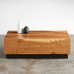 English Elm Coffee Table #sustainable #urbanhardwoods #salvaged #furniture #design