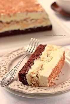 Arabeska : Ciasto chałwa z bezą Dessert Cake Recipes, No Bake Desserts, Delicious Desserts, Yummy Food, Polish Desserts, Polish Recipes, Polish Cake Recipe, Homemade Cakes, No Bake Cake