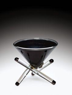 #Black Tripod Vessel by Benjamin P.Moore, 1982 | Corning Museum of #Glass
