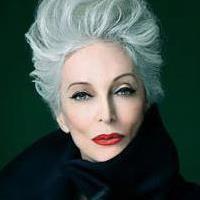 <3 Carmen Dell´Orefice Carmen Dell'orefice, Helen Mirren, Advanced Style, Ageless Beauty, Going Gray, Golden Girls, Aging Gracefully, Grey Hair, Classy Women
